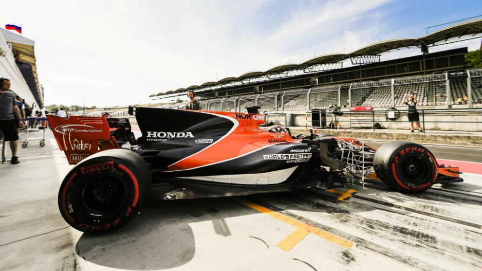 Lando Norris, probador de McLaren, durante los test posteriores al GP...