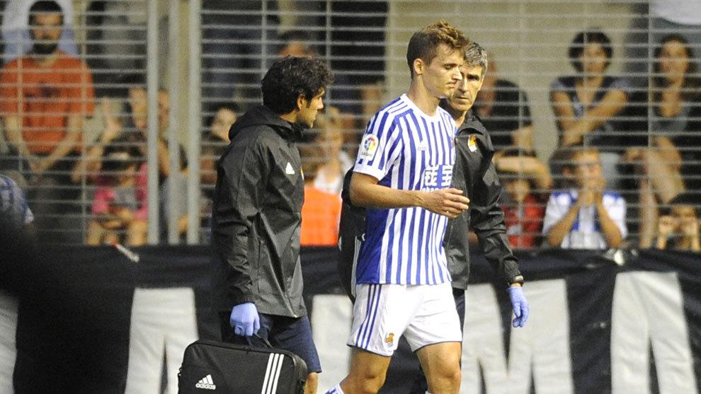 Lorrente sale lesionado de un partido de la Real Sociedad.