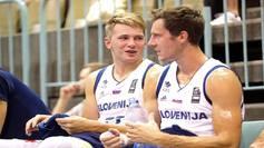 Luka Doncic, en el banquillo junto a Goran Dragic.