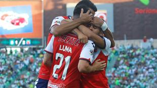 Jugadores del Veracruz en festejo de gol ante Santos.