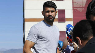 Diego Costa, en su llegada a una concentración de la selección...
