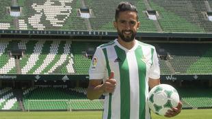 Ryad Boudebouz, en el estadio Benito Villamarín