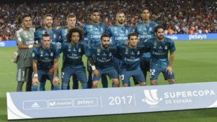 El once del Real Madrid en el Camp Nou en la ida de la Supercopa de...
