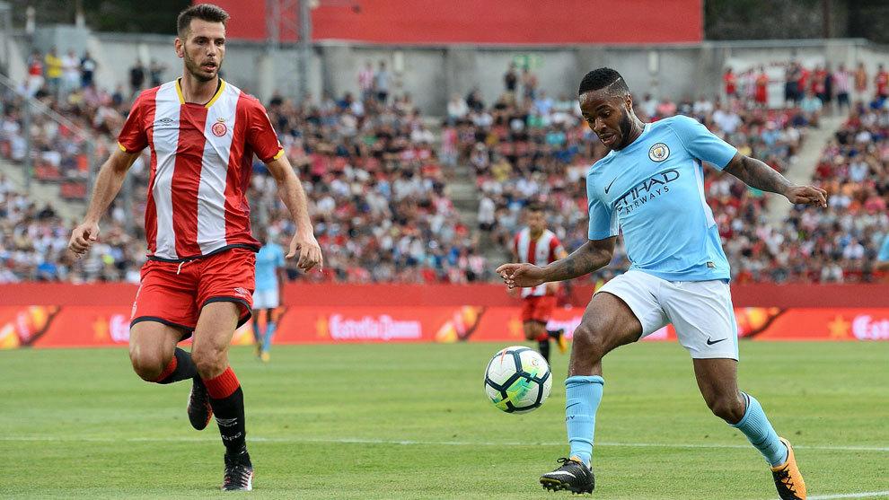 Momento del partido entre el Girona y el Manchester City.