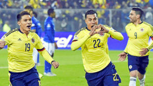 Murillo celebra un gol con Colombia.