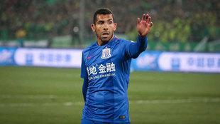 Tevez, en un partido con el Shanghai Shenhua