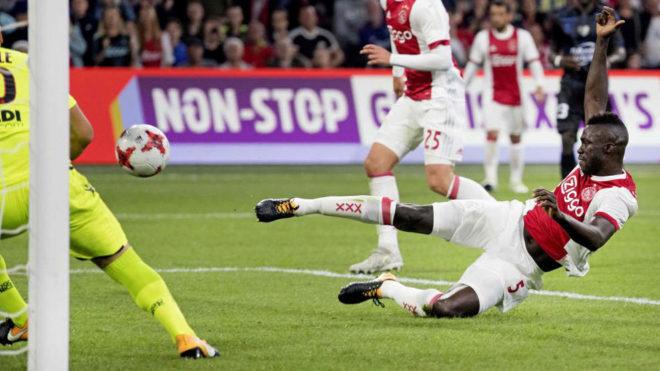 Sánchez, con el Ajax.