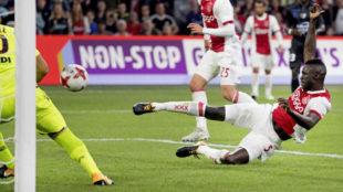 S�nchez, con el Ajax.