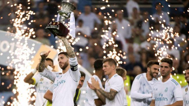 Ramos levanta la Supercopa de Espa�a en el Santiago Bernab�u