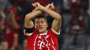 Lewandowski celebra su gol al Leverkusen.
