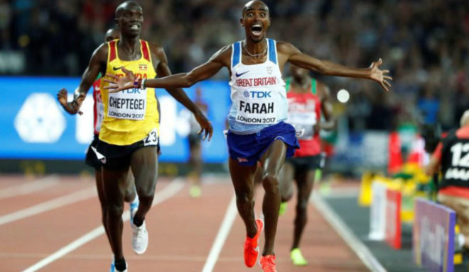 Mo Farah celebra su triunfo en los 10.000 metros del Mundial de...