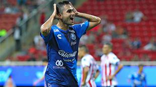Alonso Zamora en festejo de gol.