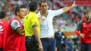 Gabriel Amato reclama la expulsión de Jair Pereira.