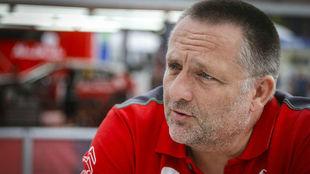 El belga Yves Matton dirige los designios deportivos de Citroën.