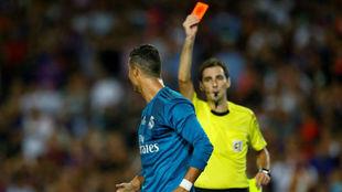 Cristiano ve la roja en el Camp Nou