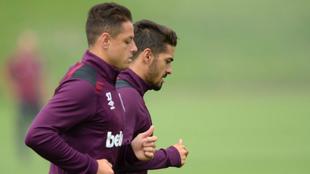 Chicharito y Lanzini, en el entrenamiento de este martes del West Ham.