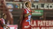 Rolón, en un partido con Argentinos Juniors