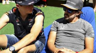 Verstappen y Alonso, en el pasado GP de Hungr�a.