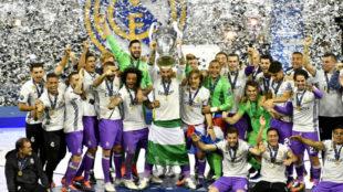 El Real Madrid levanta su t�tulo n�mero 12 en la Copa de Europa.