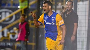 Sebastián Penco festeja su gol ante Los Mochis.