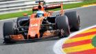 Alonso toma una curva en el Circuito de Spa.