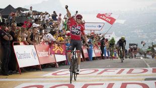 Chris Froome celebrando su triunfo de etapa.