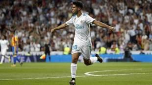 Asensio celebra su gol ante el Valencia.