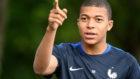 Mbapp� en el entrenamiento de la selecci�n francesa