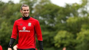 Bale durante el primer entrenamiento de Gales en el parón