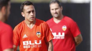 Orellana (31), en un entrenamiento del Valencia