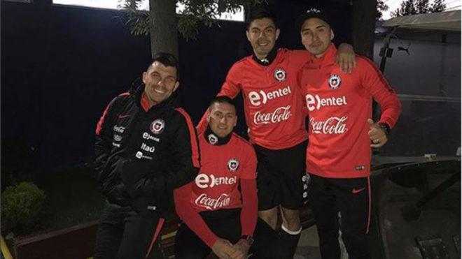 Nicolás Castillo podrá jugar con su Selección.