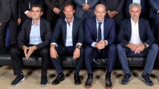 Zidane, sentado con Valverde, Allegri y Mourinho.