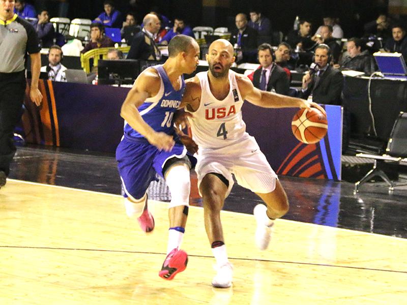 Kendall Marshall (Reno Bighorns) jugando con Estados Unidos contra la...