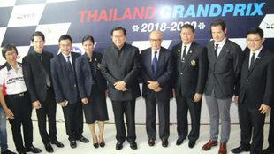 Carmelo Ezpeleta, con las autoridades de Tailandia.