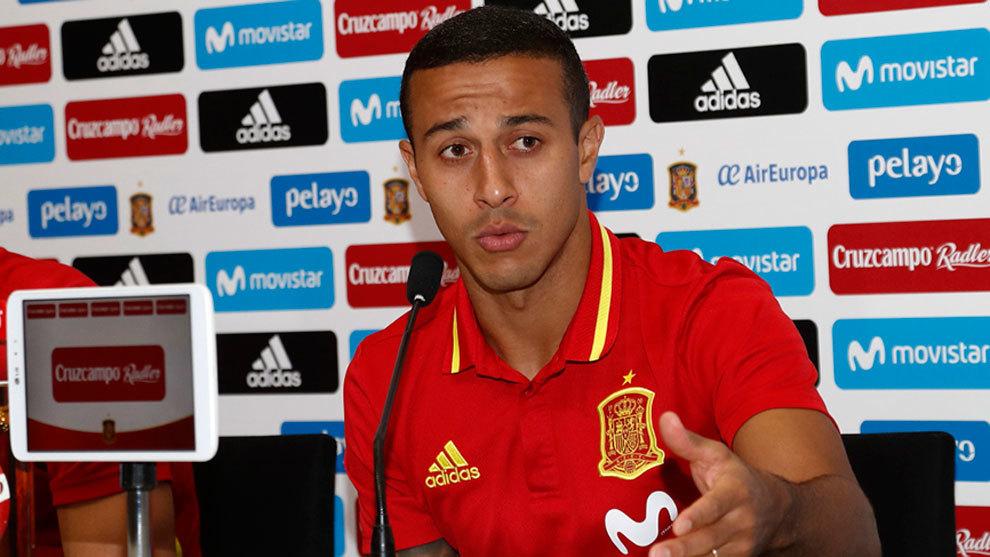 Thiago Alcántara durante la rueda de prensa de la Selección...