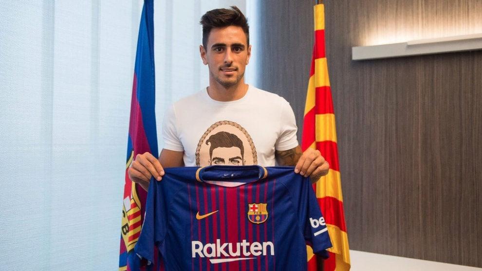 Costas posa con la camiseta del Barcelona