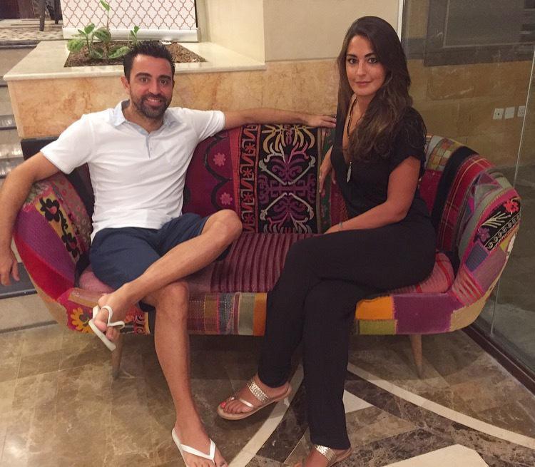 Xavi con la periodista Lorena González durante la entrevista