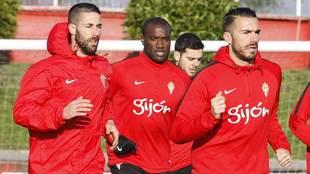 Lillo, Bab�n, V�ctor y Xavi Torres, en un entrenamiento del a�o...