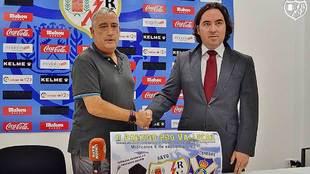 El presidente Mart�n Presa junto a Paco P�rez en la presentaci�n...