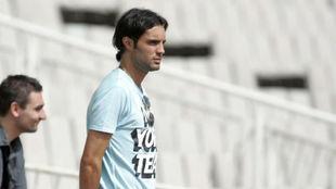Sergio S�nchez, viendo un entrenamiento.