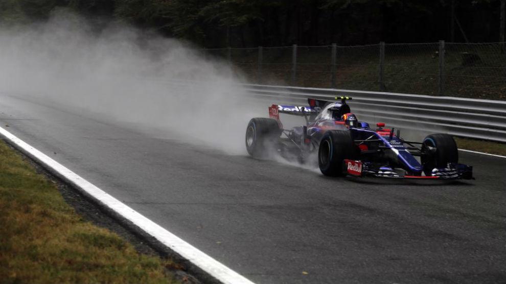 Carlos Sainz, bajo la lluvia de Monza