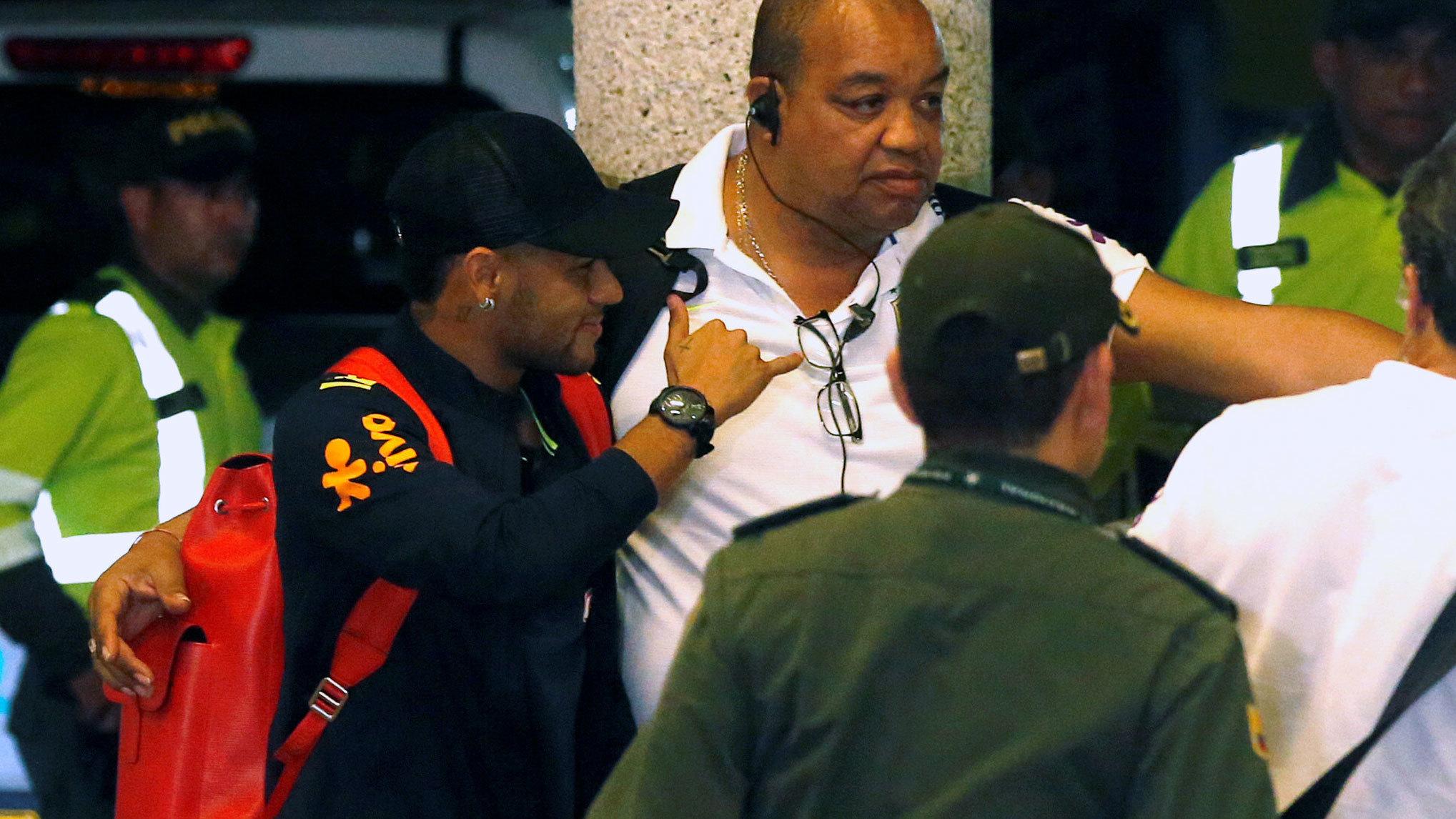 Neymar, en la llegada de la selección de Brasil a Colombia