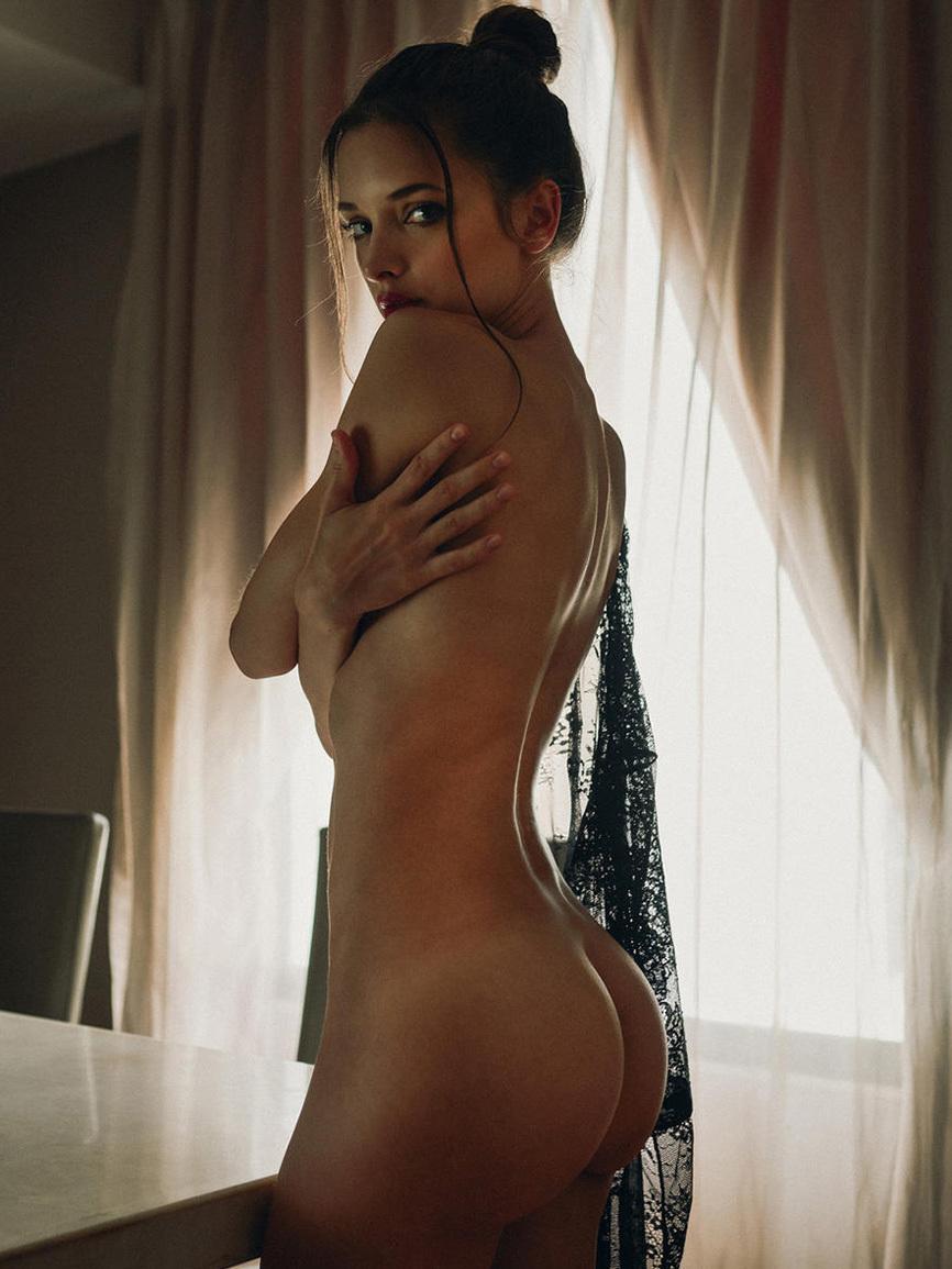 L5 modeller desnuda remarkable
