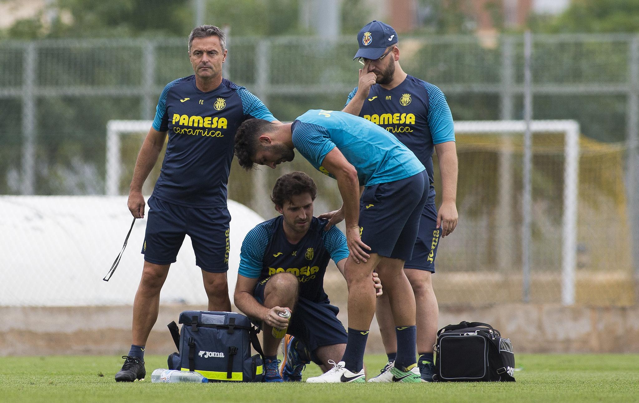 Fran Escribá durante un entrenamiento del Villarreal.