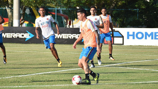 James Rodríguez (26), durante un entrenamiento con la selección...