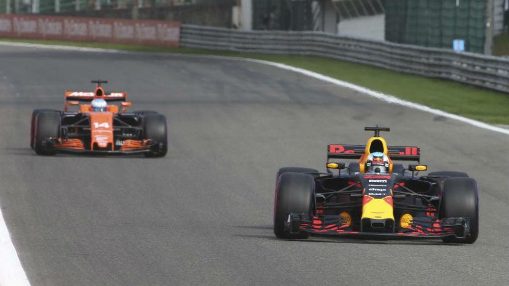 Daniel Ricciardo y Fernando Alonso, en Spielberg