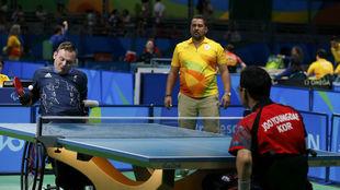 Un momento de la competición de tenis de mesa en los Juegos...