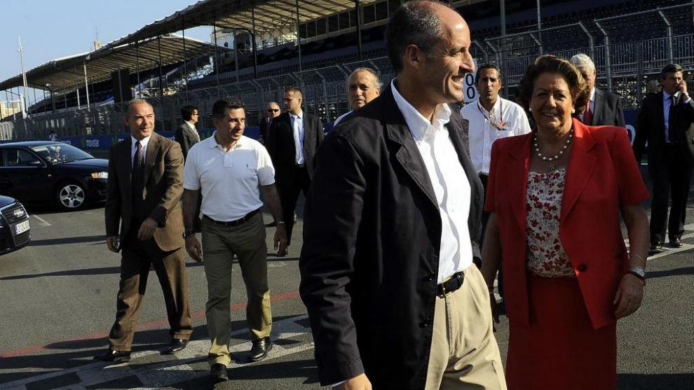 Francisco Camps, junto a la fallecida Rita Barberá en el circuito...
