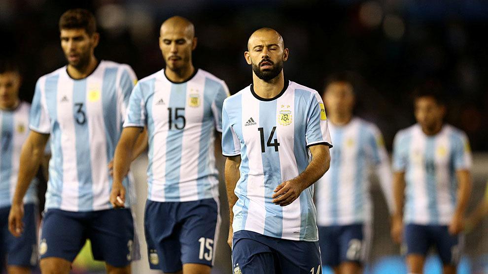 Mascherano encabeza la tristeza de los jugadores argentinos.
