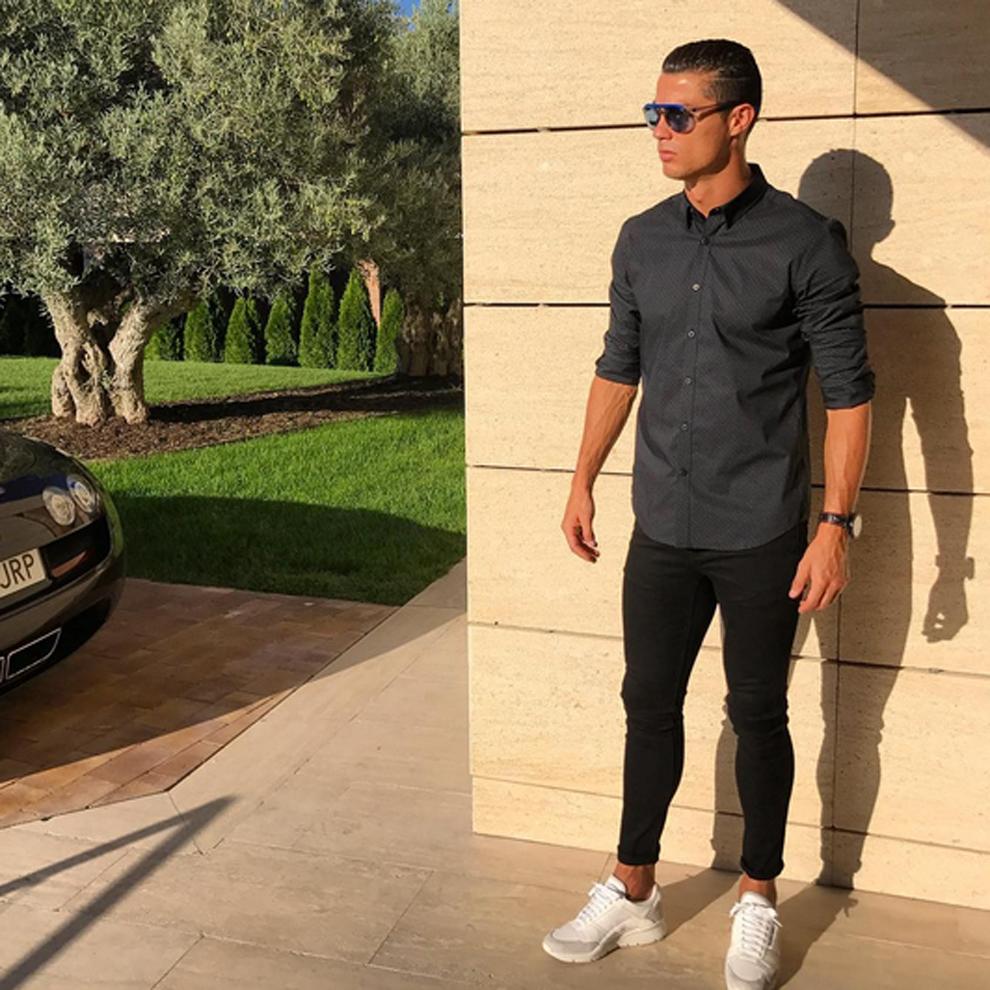 Buzz Cristiano Ronaldo Haciendo De Modelo De Su L Nea Cr7